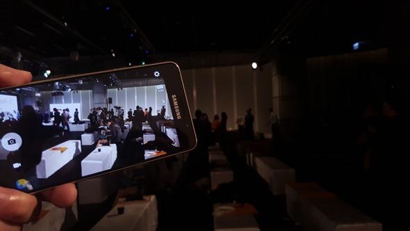 旗艦在前,無懼!三星推出 Galaxy A5、A7(2016),下放多種旗艦手機配備 20160104_144828