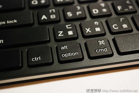 【開箱文】羅技 iPad 鍵盤立架組 - 再也不用忍受螢幕鍵盤的折磨啦! clip_image011