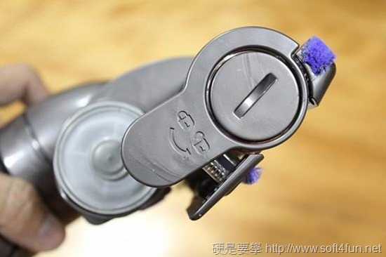 [開箱] 吸力永不衰退 Dyson DC46 圓筒式吸塵器 clip_image032