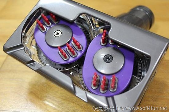 [開箱] 吸力永不衰退 Dyson DC46 圓筒式吸塵器 clip_image042