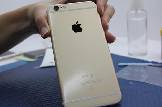 imos 我又來了!iPhone 6/6 Plus 全機包膜/保護貼施工 imosiphonecase46