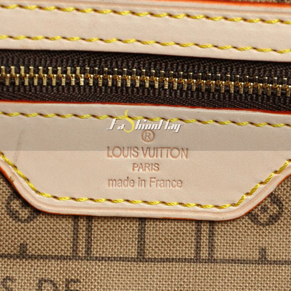 Louis-Vuitton-Monogram-Canvas-Neverfull-13