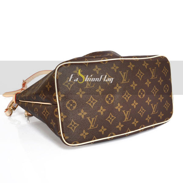 Louis-Vuitton-Monogram-Canvas-Palermo-11