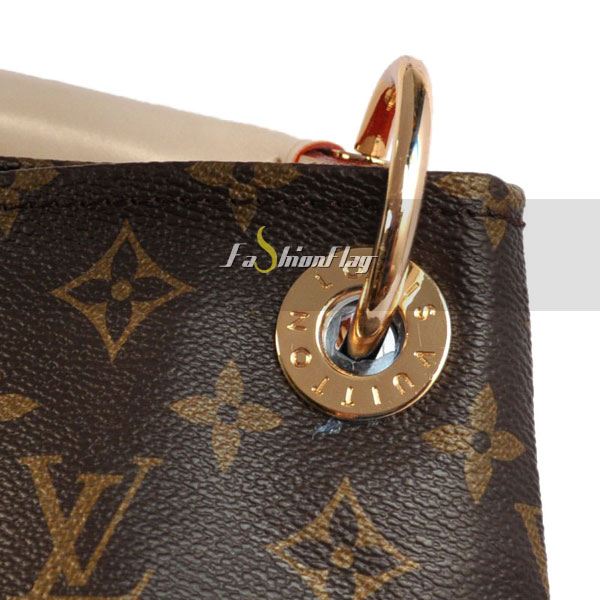 Louis-Vuitton-Monogram-Canvas-Artsy-12