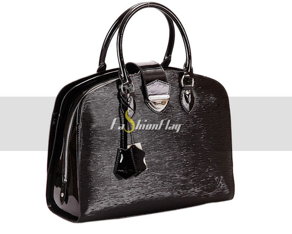 Louis-Vuitton-Epi-Leather-Pont-Neuf-GM---Glossy-Black-a