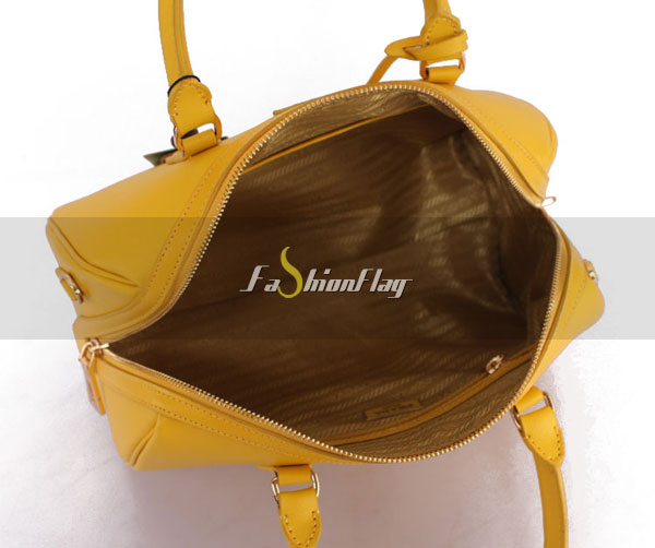 Prada-2013-Saffiano-patent-leather-tote-0823-in-Yellow-16