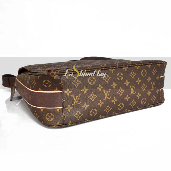 Louis-Vuitton-Monogram-Canvas-Messenger-GM-Beaubourg-d