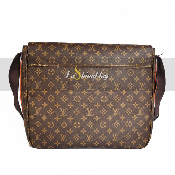 Louis-Vuitton-Monogram-Canvas-Messenger-GM-Beaubourg-c