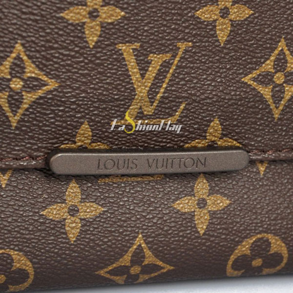 Louis-Vuitton-Monogram-Canvas-Messenger-GM-Beaubourg-a