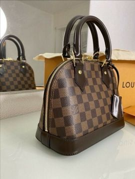 Louis Vuitton Tasche Bekleidung Accessoires Gunstig Kaufen Quoka De