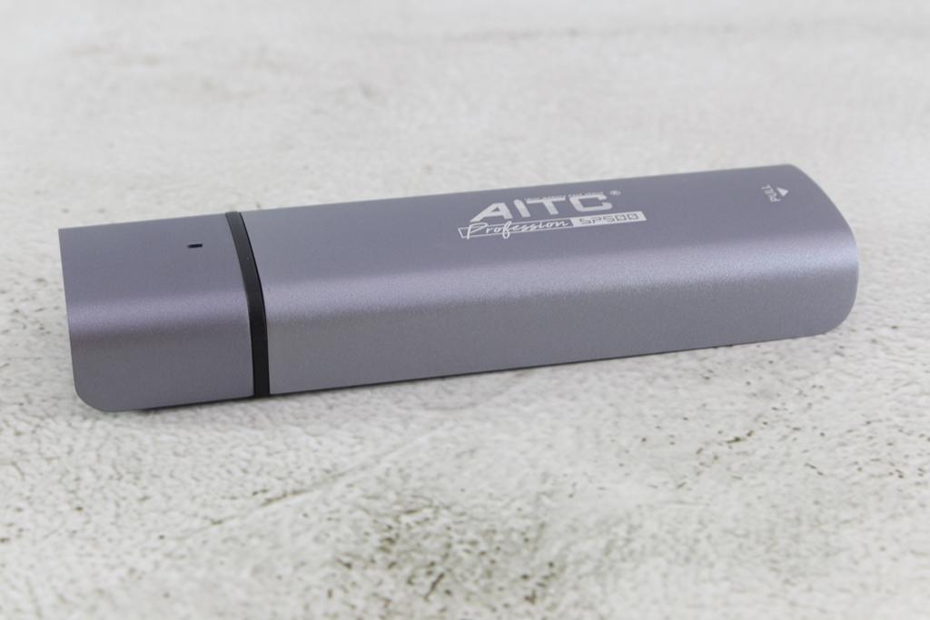 艾格AITC SP500 M.2 PCIe NVMe SSD外接硬碟盒-超簡單DIY外接硬碟,高速傳輸輕鬆擁有
