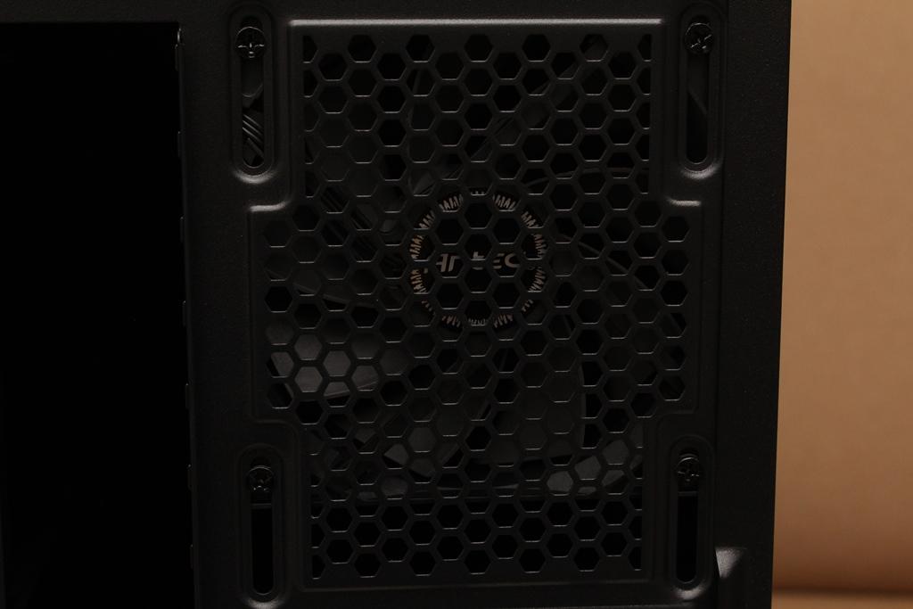安鈦克Antec P10 FLUX靜音機殼-獨創F-LUX風流架構,靜冷再升級1090