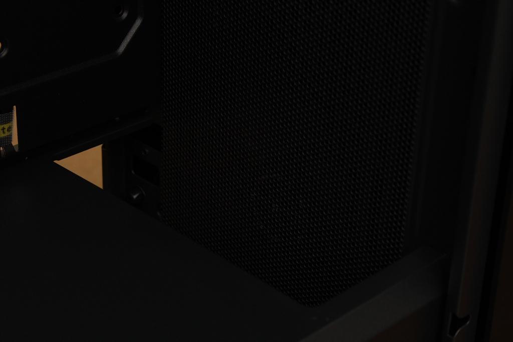 安鈦克Antec P10 FLUX靜音機殼-獨創F-LUX風流架構,靜冷再升級9385