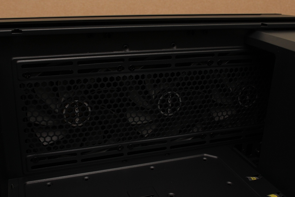 安鈦克Antec P10 FLUX靜音機殼-獨創F-LUX風流架構,靜冷再升級8844