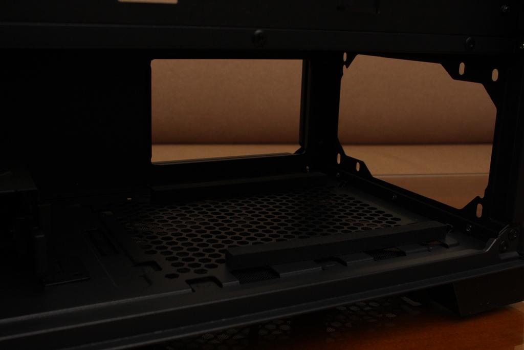 安鈦克Antec P10 FLUX靜音機殼-獨創F-LUX風流架構,靜冷再升級3350