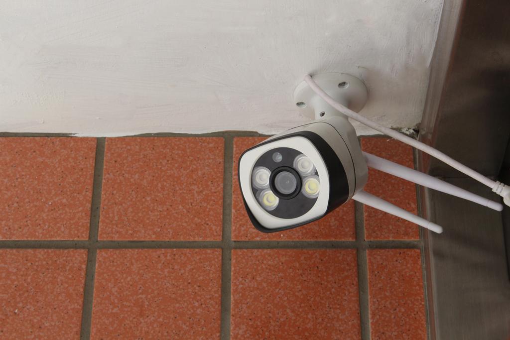 菲米斯FAMMIX D2 300萬畫素全彩夜視戶外照明WiFi攝影監視器-居家安全隨時掌握 - 24