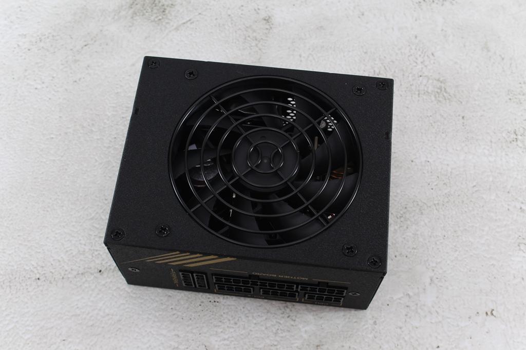 全漢FSP DAGGER PRO金鋼彈650W 80PLUS金牌全模組化SFX電源供應器...1818