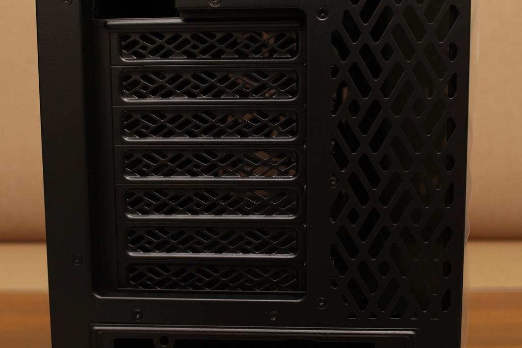 Fractal Design Meshify 2 Compact機殼-鑽石幾何造型面板搭配緊湊型配置,擴充與體積最佳平衡點