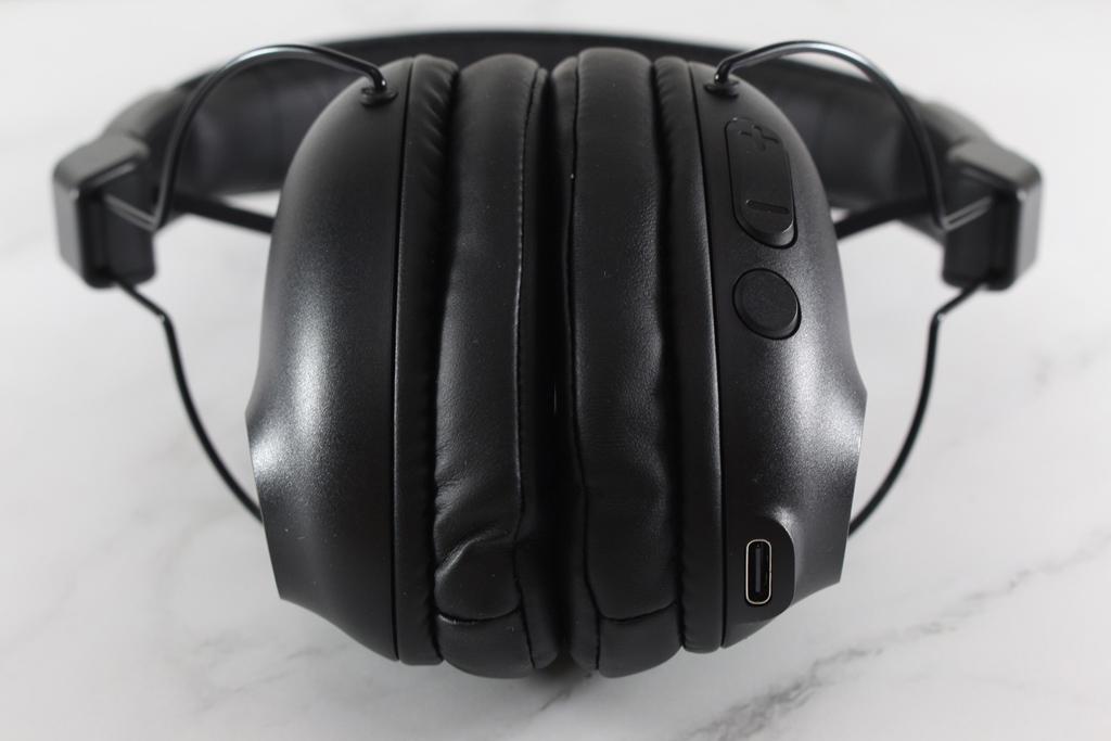 JLab Studio Pro耳罩式藍牙耳機-羽量級輕鬆配戴,更擁有50小時超強續航力