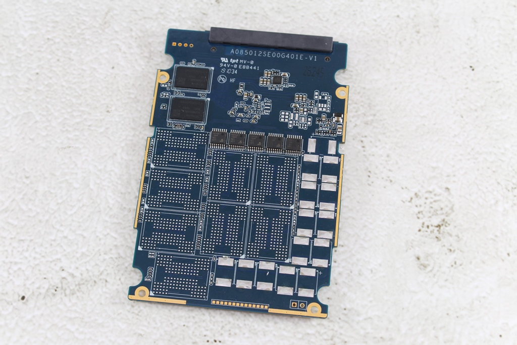 希捷Seagate IronWolf Pro 125 SSD-大容量3.84TB固態硬碟+優質五年...1800