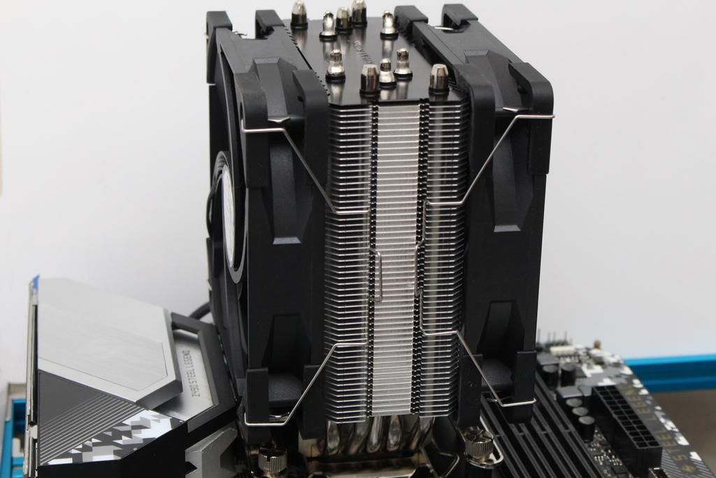 索摩樂Thermalright Assassin King 120 Plus & ARGB塔型散熱器-雙風扇...38