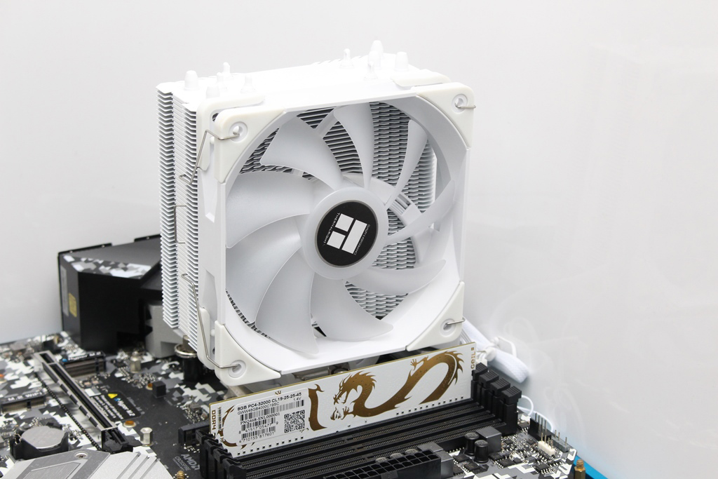 索摩樂Thermalright Assassin King 120 Plus & ARGB塔型散熱器-雙風扇...2155