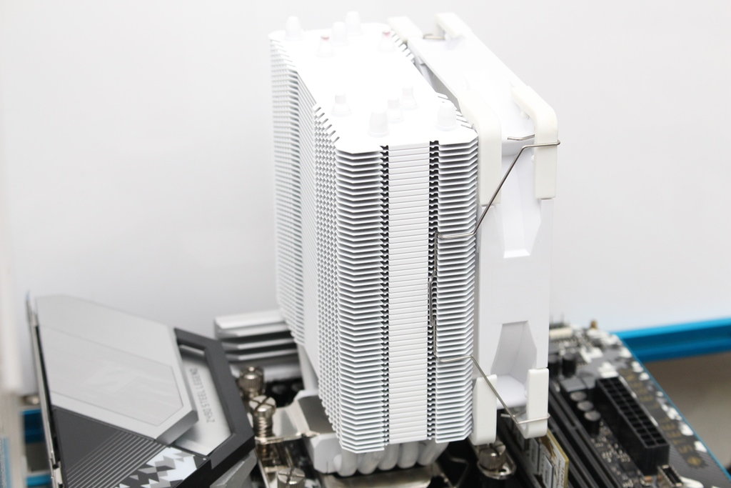 索摩樂Thermalright Assassin King 120 Plus & ARGB塔型散熱器-雙風扇...9849