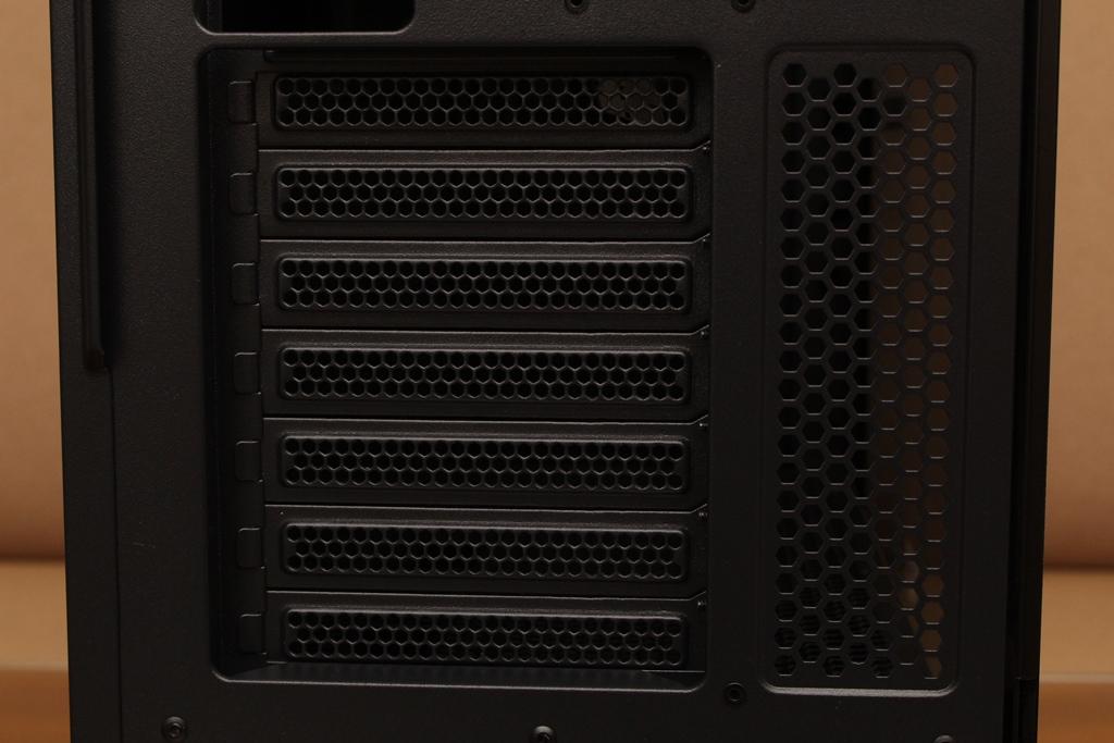 XCP XC-90鋼化玻璃透側機殼-優質散熱設計與低調內斂質感風...9552