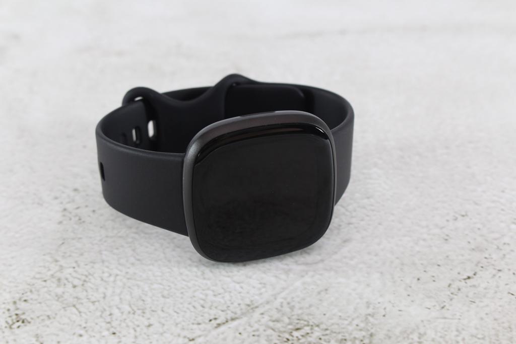 Fitbit Versa 3智慧手錶-內建GPS功能更全面,健康資訊一手掌握4605