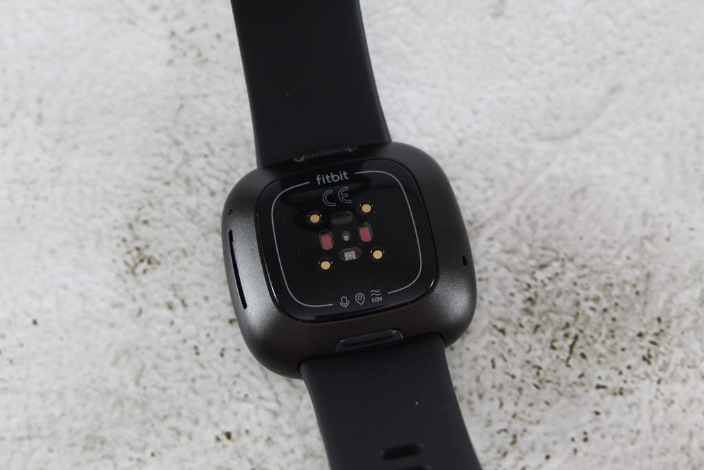 Fitbit Versa 3智慧手錶-內建GPS功能更全面,健康資訊一手掌握4861