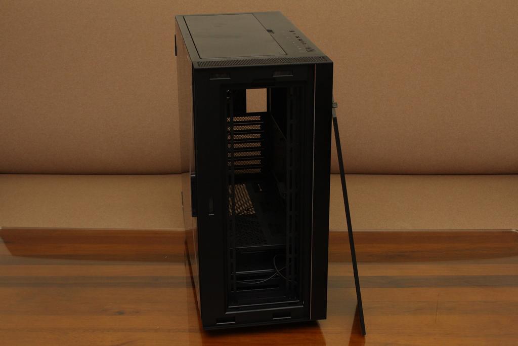 微星msi MPG QUIETUDE 100S鋼化玻璃靜音機殼-靜音、擴充、視覺...1759