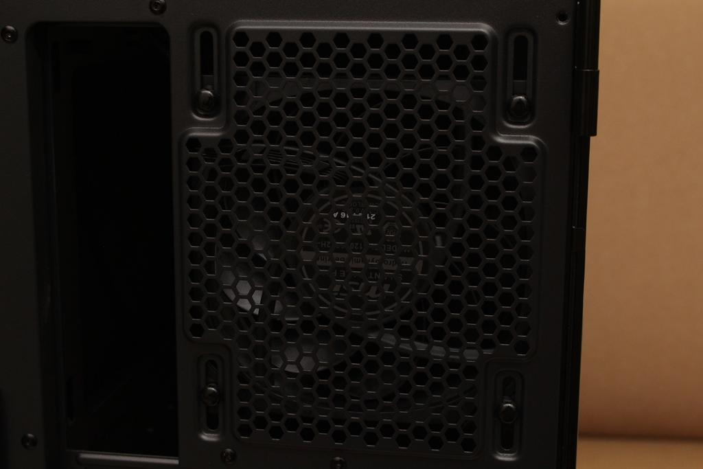微星msi MPG QUIETUDE 100S鋼化玻璃靜音機殼-靜音、擴充、視覺...8259