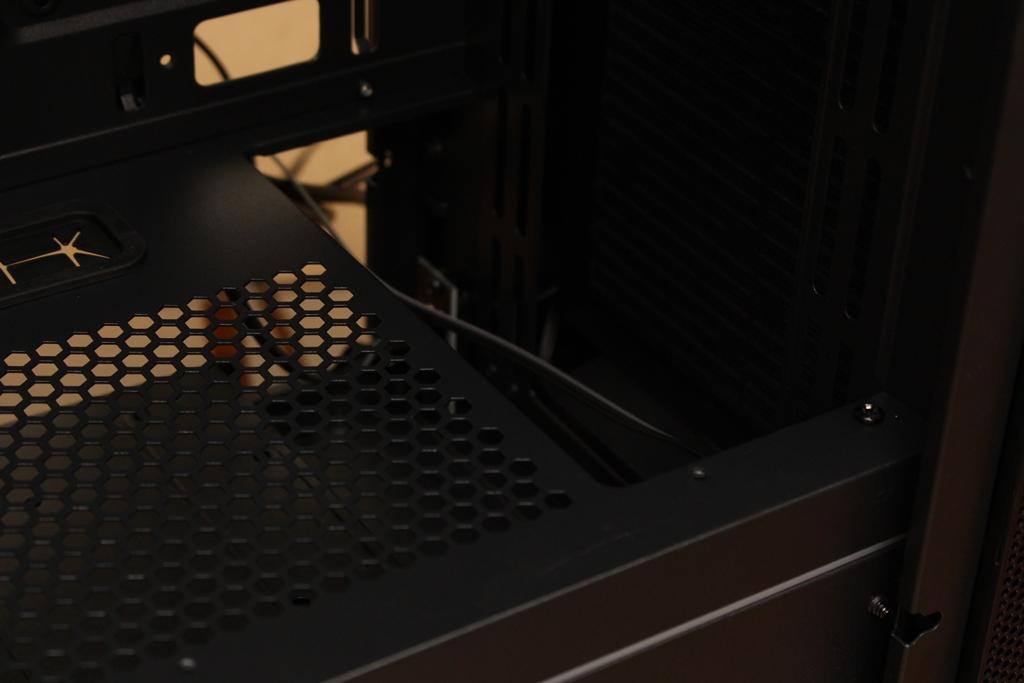 微星msi MPG QUIETUDE 100S鋼化玻璃靜音機殼-靜音、擴充、視覺...735