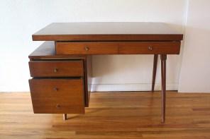 mcm-desk-with-floating-design-2