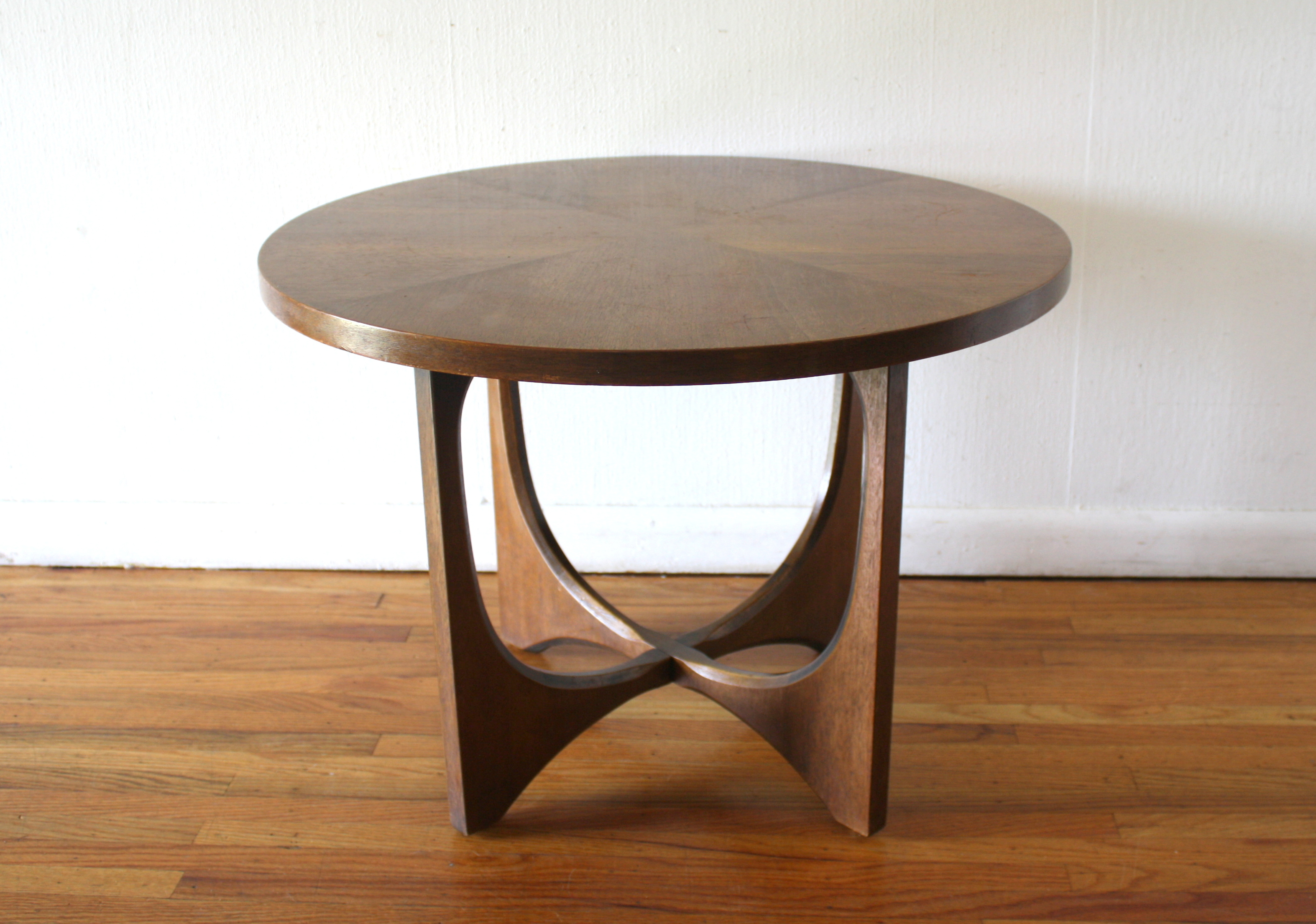Mid Century Modern Side End Table From The Broyhill Brasilia