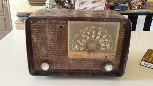 GE-TUBE-RADIO-FRONT