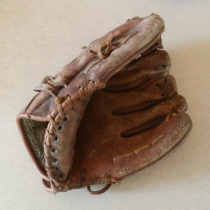 Vintage-Baseball-memorabilia-9