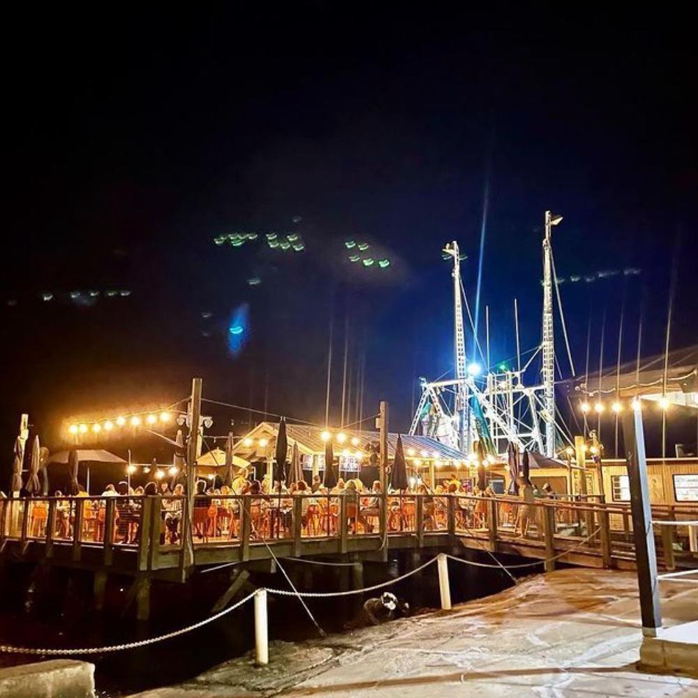Hudson's Seafood House on the Docks