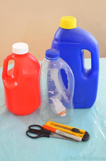 make a bottle sand scoop