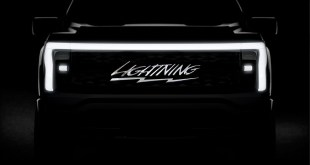 2023 Ford F-150 Lightning front