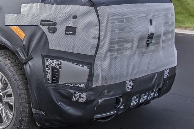 2023 GMC Sierra grille