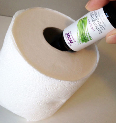 Bathroom projects, bathroom hacks, bathroom cleaning, bathroom organization, popular pin, small space organization.