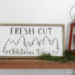 Holiday Home Decor, Holiday Home Decor Signs, Christmas Decor Signs, DIY Christmas Decor, DIY Holiday Signs, Christmas Signs, Popular Pin, Home Decor Signs, DIY Home Decor, Easy Holiday Home Decor, Easy Holiday DIY, Quick Christmas Crafts