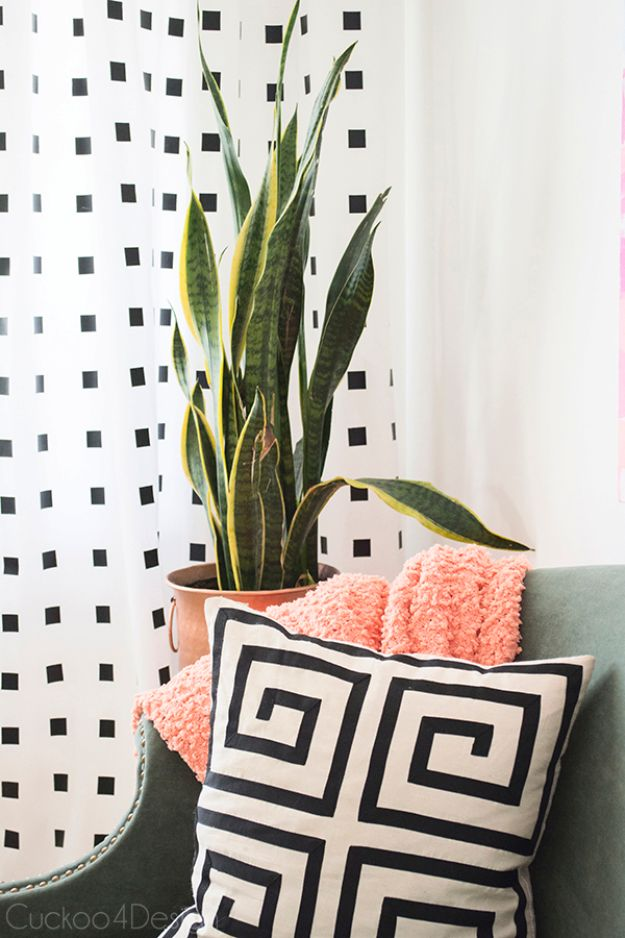 No-Paint-Black-and-White-DIY-Curtains
