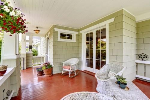 vintage | porch | porch decor | decor | vintage decor | vintage porch decor | how to | how to create a vintage porch