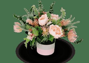cutie de trandafiri crem