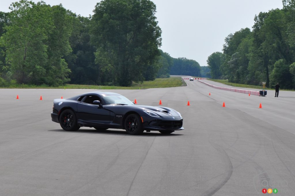 2016 Dodge Viper SRT GT Track Review