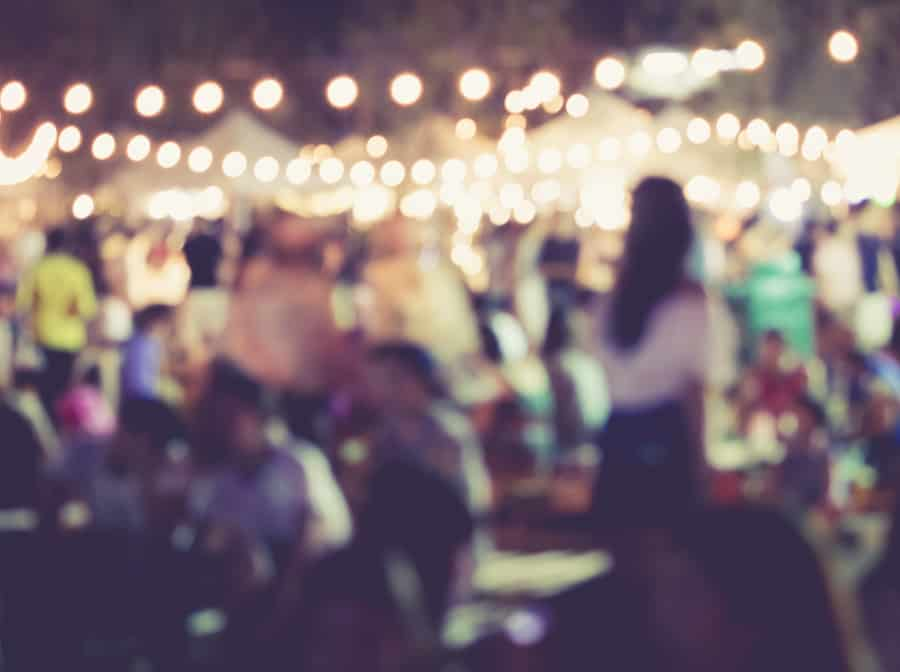 10 Essential Tips for Throwing the Perfect Party