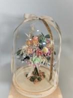 Cúpula de flores preservadas