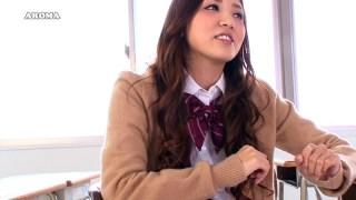 友田彩也香の悩殺!!パンチラ☆症候群 ~パンチラだけじゃ我慢できない!?~のサンプル画像1